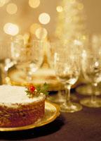 クリスマスケーキとグラス