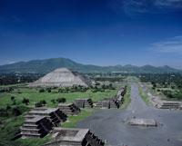 太陽のピラミッドと月の広場 22717000353| 写真素材・ストックフォト・画像・イラスト素材|アマナイメージズ
