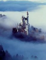 霧のノイシュヴァンシュタイン城