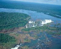 イグアスの滝 22733000024| 写真素材・ストックフォト・画像・イラスト素材|アマナイメージズ