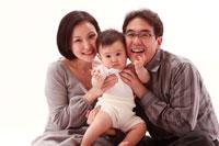 父と母と赤ちゃん