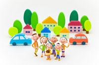 家並みと車の前の3世代家族6人 22748000432| 写真素材・ストックフォト・画像・イラスト素材|アマナイメージズ
