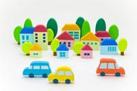 住宅地と車 22748000440| 写真素材・ストックフォト・画像・イラスト素材|アマナイメージズ