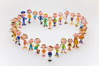 ハート形に並ぶ人々 22748000481| 写真素材・ストックフォト・画像・イラスト素材|アマナイメージズ