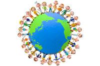 地球の周りに並ぶ人々