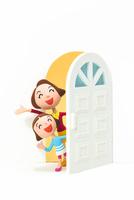 開いたドアから覗く母と子