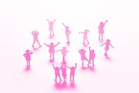 紙の子どもたち(ピンク)