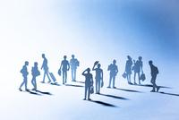 紙のビジネスマン(ブルー) 22748001098| 写真素材・ストックフォト・画像・イラスト素材|アマナイメージズ
