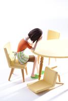 DVに悩む女性 22748001113| 写真素材・ストックフォト・画像・イラスト素材|アマナイメージズ