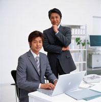 ビジネスマン 22894000335| 写真素材・ストックフォト・画像・イラスト素材|アマナイメージズ