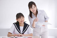 授業中の女性教師と中学生女子