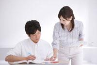 授業中の女性教師と中学生男子