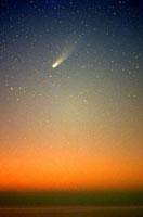 夜明けのハレー彗星 22995000110| 写真素材・ストックフォト・画像・イラスト素材|アマナイメージズ