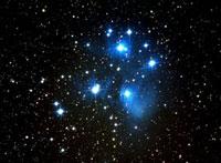 プレアデス星団 M45 22995000164| 写真素材・ストックフォト・画像・イラスト素材|アマナイメージズ
