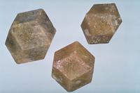 灰ばん石榴石