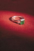 誕生石 23018002204| 写真素材・ストックフォト・画像・イラスト素材|アマナイメージズ