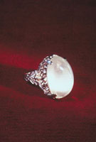 ムーンストーン(月長石) 23018002209| 写真素材・ストックフォト・画像・イラスト素材|アマナイメージズ