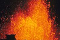 噴火(三原山) 23018002687| 写真素材・ストックフォト・画像・イラスト素材|アマナイメージズ