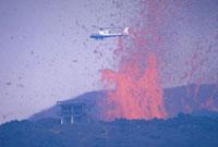 噴火(三原山) 23018002688| 写真素材・ストックフォト・画像・イラスト素材|アマナイメージズ