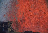噴火(三原山) 23018002693| 写真素材・ストックフォト・画像・イラスト素材|アマナイメージズ