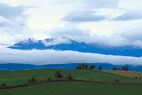 層雲(下の雲)