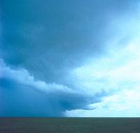 乱層雲 23018002815| 写真素材・ストックフォト・画像・イラスト素材|アマナイメージズ