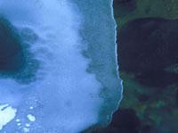 氷 23018002830| 写真素材・ストックフォト・画像・イラスト素材|アマナイメージズ