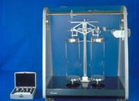 化学天秤 23018002987| 写真素材・ストックフォト・画像・イラスト素材|アマナイメージズ
