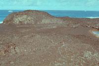 海底噴火 西之島新島全景 23018003057| 写真素材・ストックフォト・画像・イラスト素材|アマナイメージズ