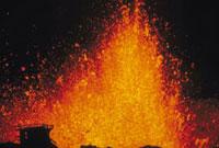 噴火(三原山) 23018003063| 写真素材・ストックフォト・画像・イラスト素材|アマナイメージズ