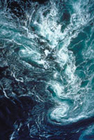 鳴門のうず潮(かるまん渦) 23018003107| 写真素材・ストックフォト・画像・イラスト素材|アマナイメージズ