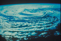 大暴風 23018003199| 写真素材・ストックフォト・画像・イラスト素材|アマナイメージズ