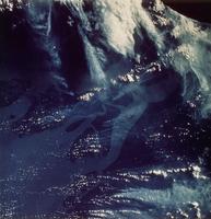 地球(アマゾン河口)