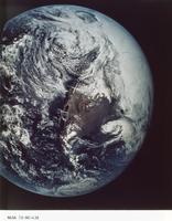地球(アポロ16号)