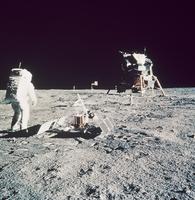 月着陸船に向かうオルドリン宇宙飛行士(アポロ11号)
