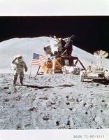 月着陸船月面車とアーウィン宇宙飛行士(アポロ15号)