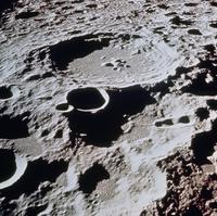 月面の308クレーター(アポロ11号)