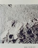 月面のオレンジ色の土