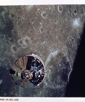 月面と司令船(アポロ10号)