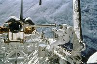 宇宙船からの船外活動
