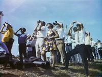 ロケット発射を取材する報道陣