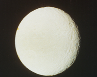 土星の衛星テティス 23018048999| 写真素材・ストックフォト・画像・イラスト素材|アマナイメージズ