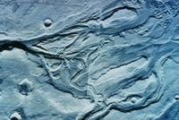 火星表面の水流の跡