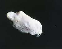 小惑星イダと衛星ダクティル 23018049077| 写真素材・ストックフォト・画像・イラスト素材|アマナイメージズ