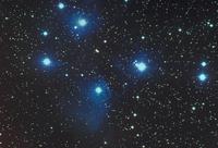 プレアデス星団 23018050889| 写真素材・ストックフォト・画像・イラスト素材|アマナイメージズ