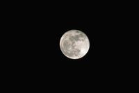 月齢14・8 23018050978| 写真素材・ストックフォト・画像・イラスト素材|アマナイメージズ