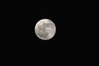 月齢14・4 23018050979| 写真素材・ストックフォト・画像・イラスト素材|アマナイメージズ