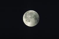 月食(37) 23018051090| 写真素材・ストックフォト・画像・イラスト素材|アマナイメージズ