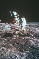 月着陸船と宇宙飛行士(アポロ11号)