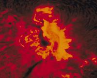 太陽のHα線で見たフレア 23018051338| 写真素材・ストックフォト・画像・イラスト素材|アマナイメージズ
